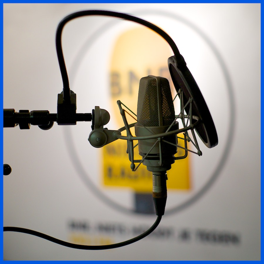 Foto van inspreekmicrofoon bij BNR. Voice-over voor Top Stories.